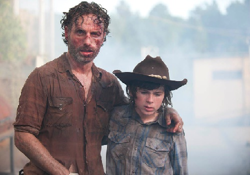 the-walking-dead-season-4-episode-8-rick-carl-december-2013